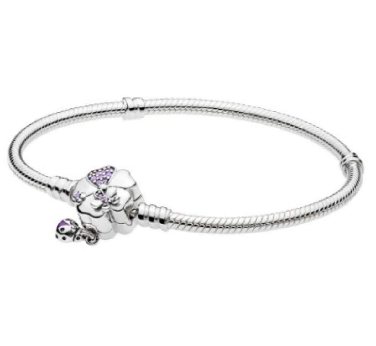 ... Stříbrný náramek Pandora - Klasik květnatá louka 1 3 ... 6bbd8ac07f8