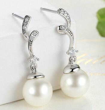 22cf2889570 Stříbrný set náhrdelník s přívěskem a náušnice - Elegantní perla 4 4 ...